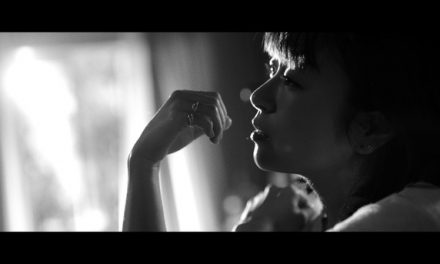 "Yuk, Lihat Musik Video ""Hanataba wo Kimi ni"" Utada Hikaru"